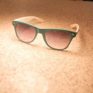Teal and White Ray-Ban Sunglasses with Holder